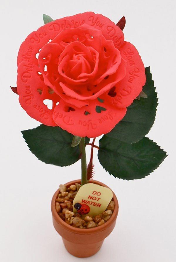 Цветок розы, полностью напечатанный на 3d принтере